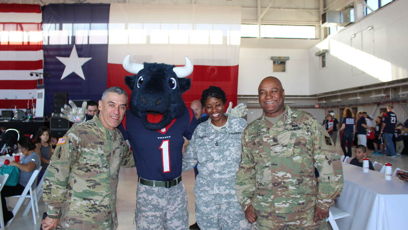 The USO, the NFL and the Houston Texans teamed up to host the Salute to Service BBQ at Ellington Field Joint Reserve Base on Jan. 31, near the site of Super Bowl LI. Thousands of service members and military families stationed near Houston enjoyed an afternoon of food, live music, games and prizes.
