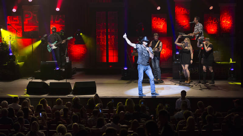 Trace puts on a show-stopping performance for service members at The Tobin Center in San Antonio.