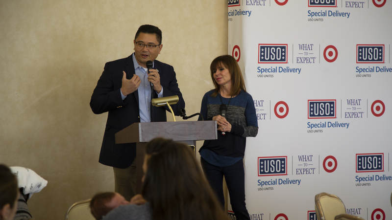 Alan Reyes, USO Senior Vice President of Operations, Programs, Transition & Entertainment helped to kick off the event by honoring Heidi for the partnership