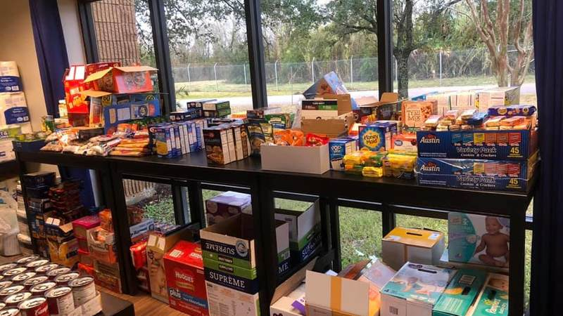 USO Houston organized a donation drive for Coast Guard service members, their families and other military personnel affected by the government shutdown.